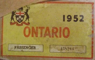 ONTARIO 1952 PASSENGER VEHICLE WINDSHIELD STICKER TO REVALIDATE THE 1951 LICENSE PLATES