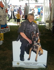 dog(1.0), pet(1.0), mammal(1.0), police dog(1.0), conformation show(1.0),