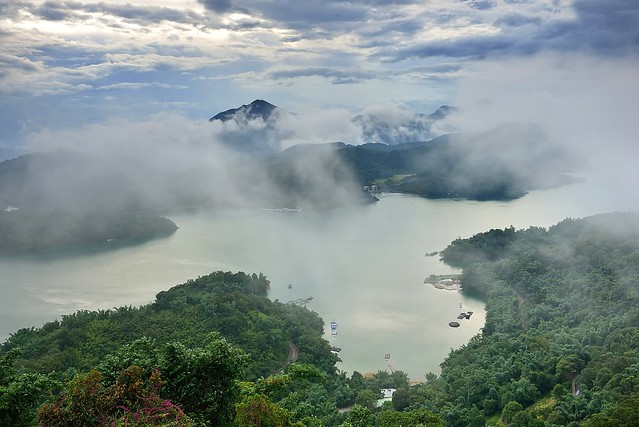 山水明潭 Sun Moon Lake