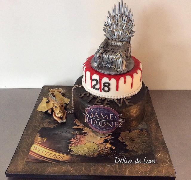 Game of Thrones Cake by Délices de Luna