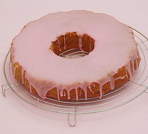 torta al cardamomo con glassa alla rosa