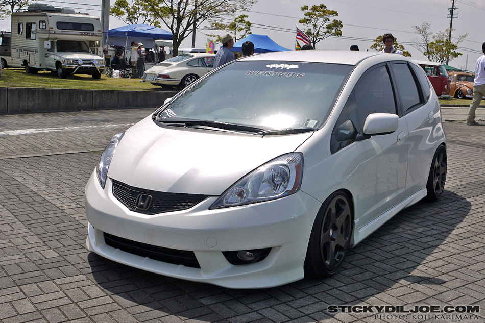 stretching tires offset wide wheels unofficial honda fit forums. Black Bedroom Furniture Sets. Home Design Ideas