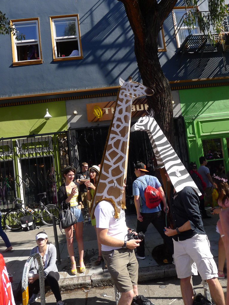 Above average number of giraffes in Hayes Valley.