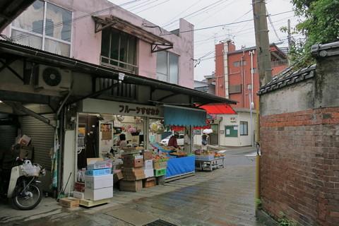 雨の長崎新地中華街〜唐人屋敷跡