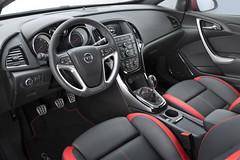 Innenraum Opel Astra BiTurbo