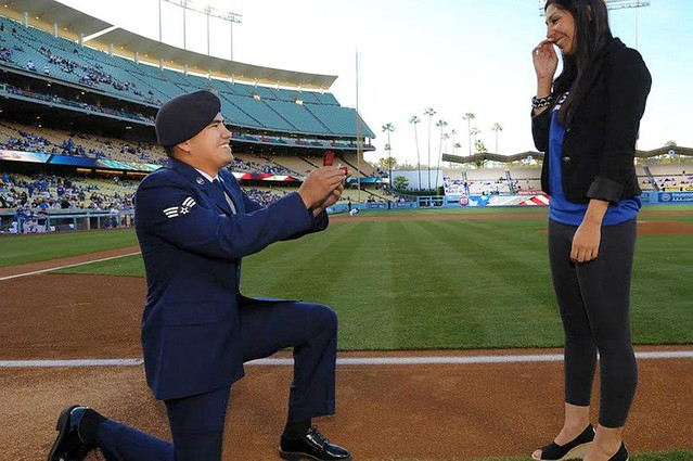 Photo of the Day: Senior Airman proposes