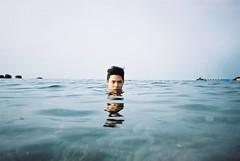[Free Images] People, Men, Men - Asian, People - Sea / Ocean ID:201205300400