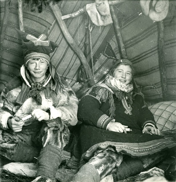 Samiske barn. Bror og søster. Sami Children, brother and sister. Finnmark, Norway. Photo by Preus Museum, 2012