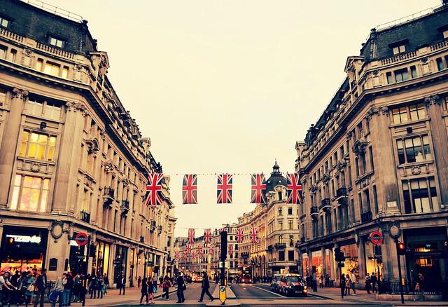 18917aafb The Freaking Lady  Melhores lojas de departamento de Londres