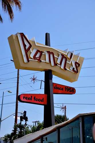 Pann's Restaurant Sign