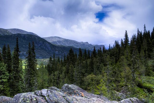 Rjukandefossen Mountains