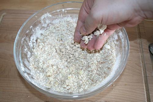19 - Hefe dazu bröseln / Crumble yeast