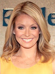 Kelly_Ripa+April_13_2009