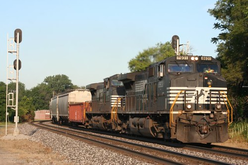 2012_06_14 NS 142 at Fostoria Ohio by Northeast Indiana Railfan