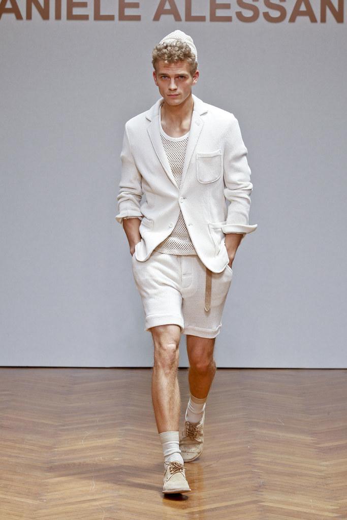 SS13 Milan Daniele Alessandrini001_Benjamin Eidem(fashionising.com)
