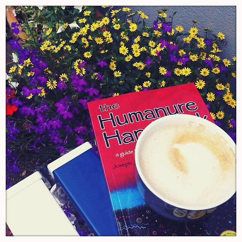 lezen en koffiedrinken
