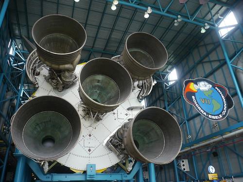 Saturn V: Triebwerke der 1. Stufe