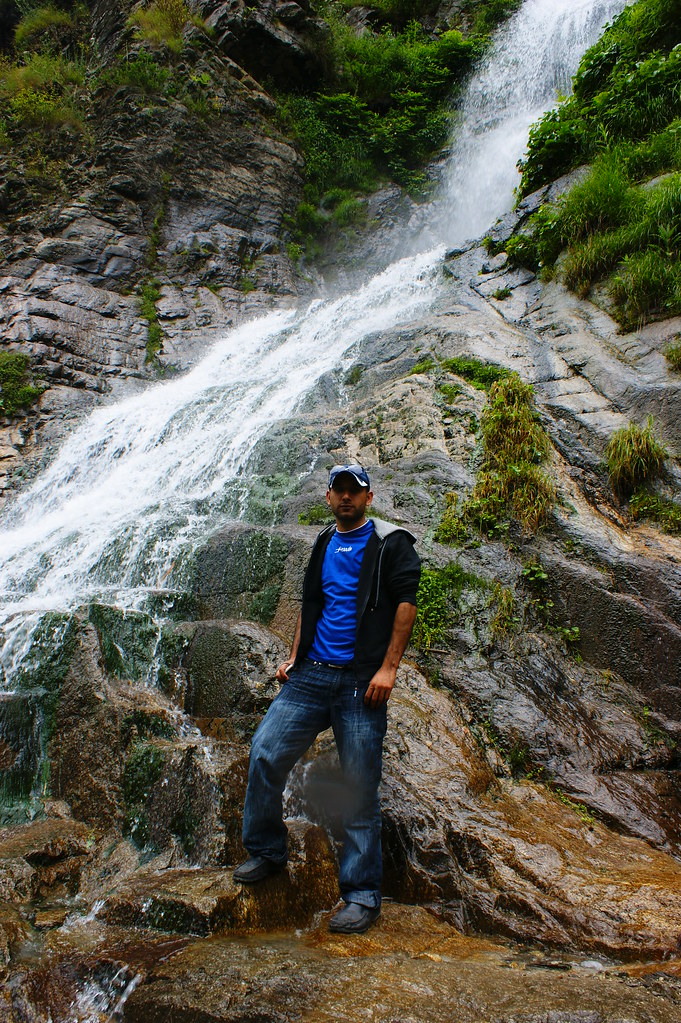 """MJC Summer 2012 Excursion to Neelum Valley with the great """"LIBRA"""" and Co - 7595269046 c4001a3d13 b"""