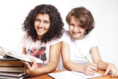 [フリー画像素材] 人物, 女性, 人物 - 二人, 学生, 本・ブック, 勉強・宿題 ID:201208051800