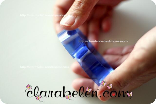 Pulsera con botella de plástico