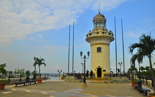 cerro santa ana guayaquil lighthouse