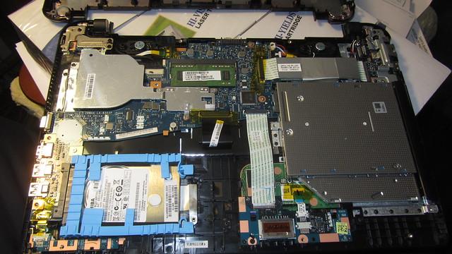 IMG_0265 Toshiba C55B5101 laptop w 500GB hard drive
