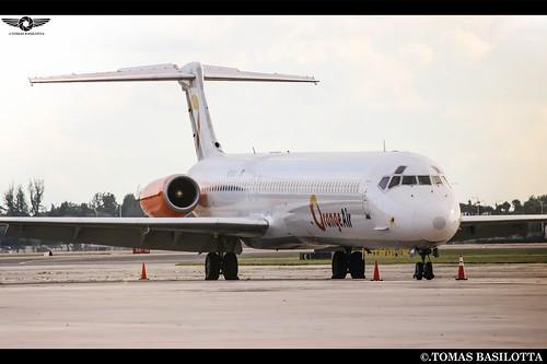 un MD Ex Argentino  el Ex LV-BEG en Opa Locka Volando para Orange Air  N926AV KOPF-OPF MD-83 Orange Air Ex Austral- Spanair