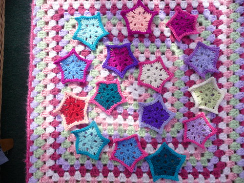 annlynncraft (RAV) (UK) Has sent in some Star Embellishments for our Blankets! Thank you!
