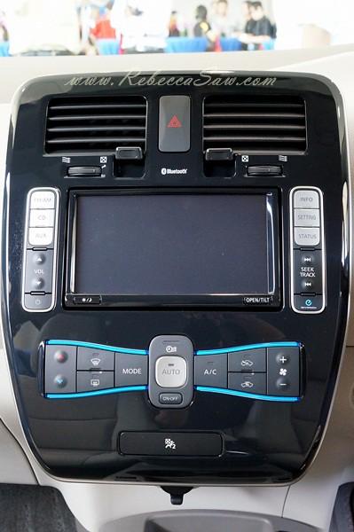 nissan leaf - all electric car-015