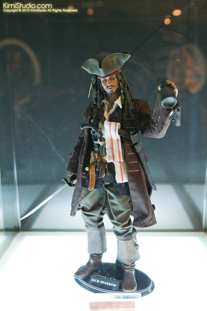 2011.11.12 HOT TOYS-011