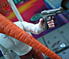 "DARK HORSE COMICS::   ""Flaming Carrot"" Action Figure x / Pistol (( 1999 ))"