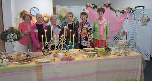 Garden Party GGC hostesses
