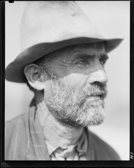 Edgar Coffman, a renter farmer in Anderson County, Tennessee, near Clinton.  .... By: The U.S. National Archives