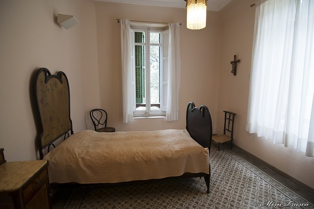 Gaudi'd bedroom