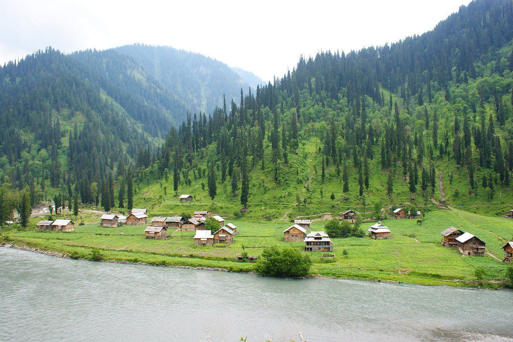 "MJC Summer 2012 Excursion to Neelum Valley with the great ""LIBRA"" and Co - 7595407486 0fa7de09b9 b"