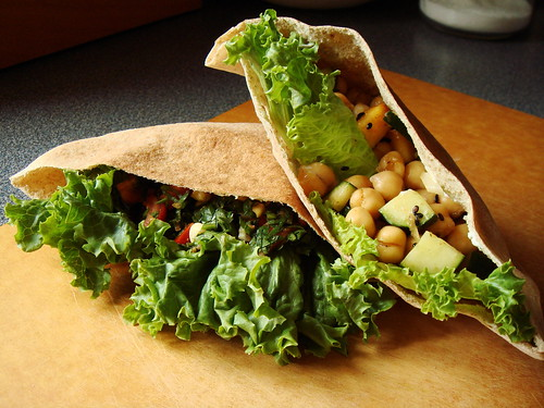 Pita Pocket Salad: Healthy Vegetarian Lunch