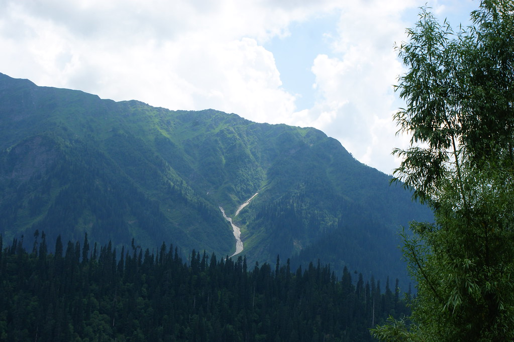 """MJC Summer 2012 Excursion to Neelum Valley with the great """"LIBRA"""" and Co - 7635532278 e6b1116bb0 b"""