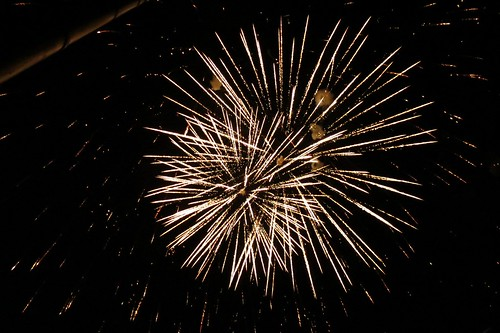 colors night fireworks july manitoba celebration canadaday vita 2012