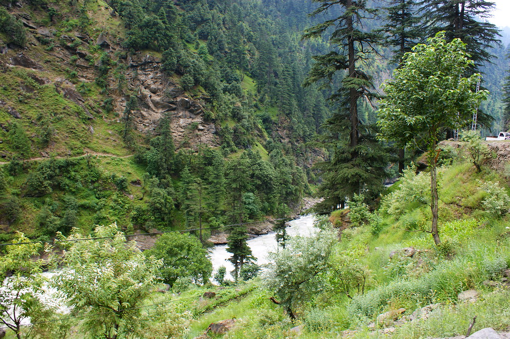 """MJC Summer 2012 Excursion to Neelum Valley with the great """"LIBRA"""" and Co - 7642010900 8af1a970b2 b"""