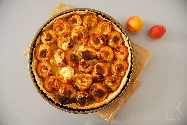 Tarte aux abricots et romarin