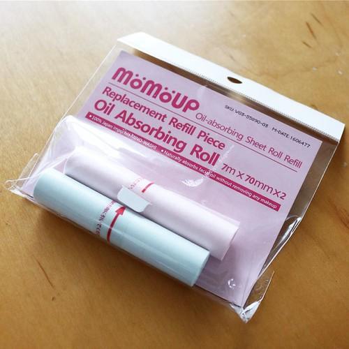 ちなみにこちらは、詰め替え用のあぶらとり紙ロール。なんかすごいな。