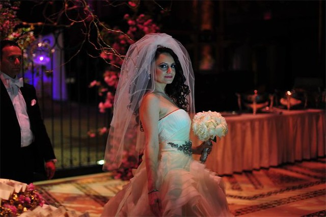 BSB bride wearing a waterfall veil