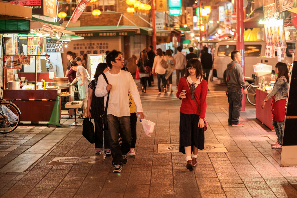 Sakaemachidori 2 Chome, Kobe-shi, Chuo-ku, Hyogo Prefecture, Japan, 0.01 sec (1/100), f/2.8, 85 mm, EF85mm f/1.8 USM