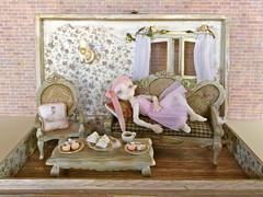 Padron vintage shabby dollhouse