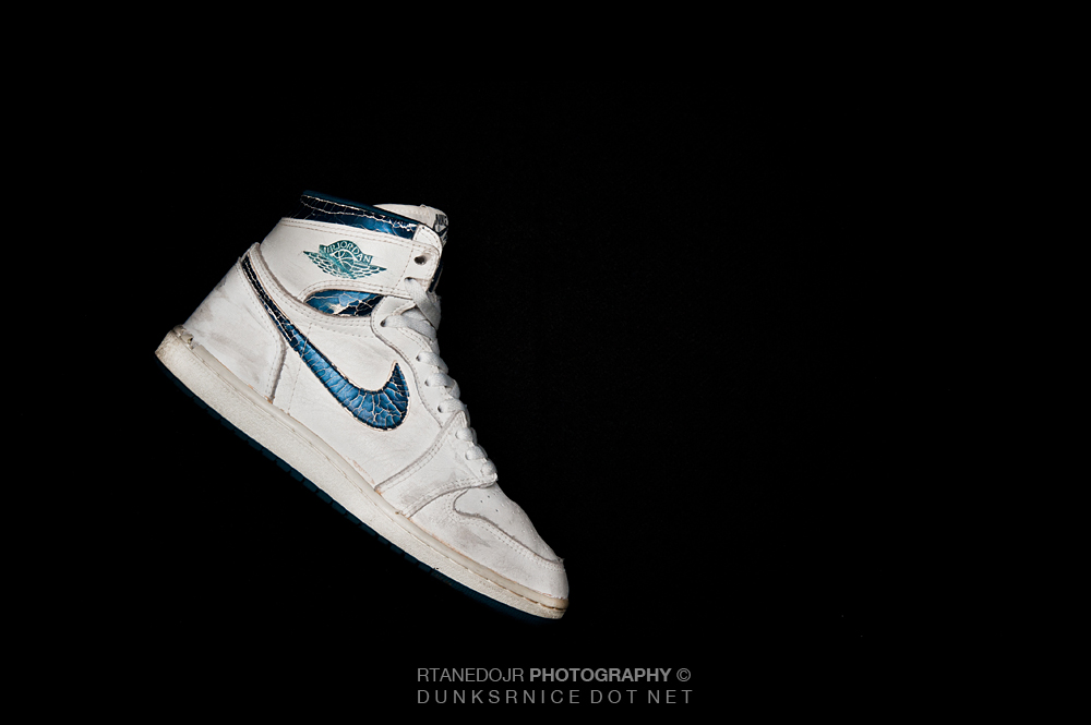 1985 Metallic Blue/White I's.