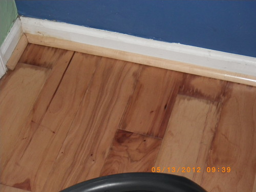 3 Ways To Tell If Your Hardwood Floors Need To Be Replaced