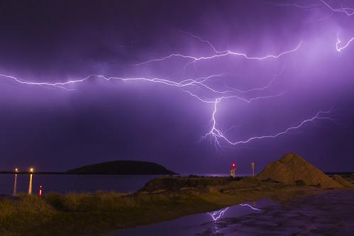 storm island sigma lightning badweather coffsharbour muttonbird 1850mm 2845