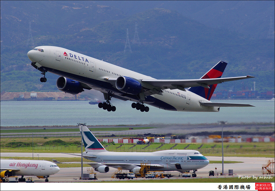 Delta Air Lines / N860DA / Hong Kong International Airport