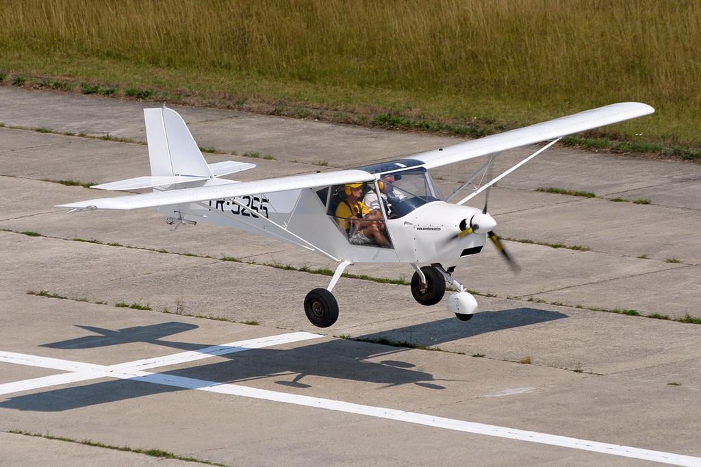Fly-in @ Floreni - Mitingul cailor putere - Poze 7677967688_fb87e6f98f_o