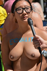 #freethenipple #nationalgotoplessday #sanfrancisco #equality #rally #peoplewatching #topless #streetphotography